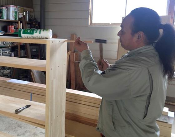 大工の仕事 机・棚製作