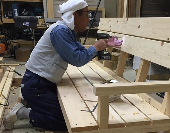 大工の仕事 ベンチ製作