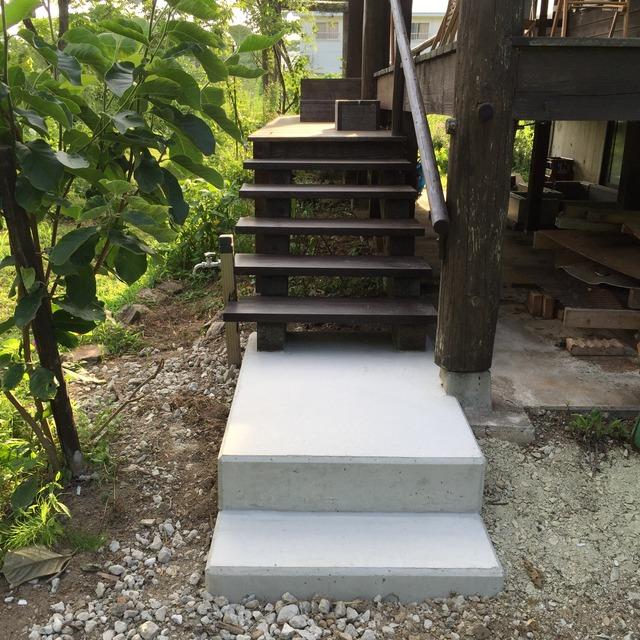 粕谷邸 階段完成
