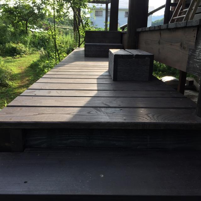 粕谷邸 テラス床板完成 アップ2